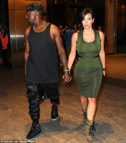 kim-kardashian-kanye-west-ugly-outfits-600x683